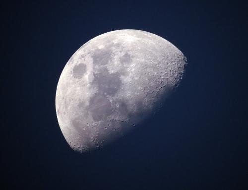 V. Der Mond